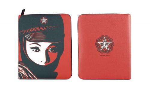 Shepard Fairey - Mujer Fatal iPad Portfolio, 2012.