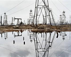Edward Burtynsky - SOCAR Oil Fields #3, Baku, Azerbaijan, 2006, (from the series The End of Oil), 2012