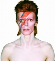 David Bowie Collector's edition, David Bowie is, 2013. Album cover shoot for Aladdin Sane, 1973. Photograph by Brian Duffy © Duffy Archive