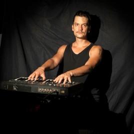 New Clegg & Guttmann print 'The Keyboard Player'