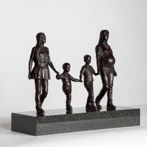 Gillian Wearing, A Real Birmingham Family, 2014