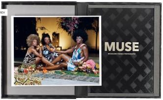 Mickalene Thomas, Le déjeuner sur l'herbe: les trois femmes noires, 2016
