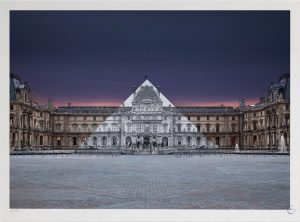 JR - Le Louvre revu par JR, 20 juin 2016, 5h41 © Pyramide, architecte I.M. Pei, musée du Louvre, Paris, France, 2016