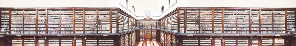 Candida Höfer -Shelves -2009