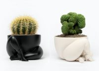 Parra - a high heeled two legged planter (B&W) - 2020
